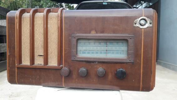 Radio Antigo Com Olho Magico