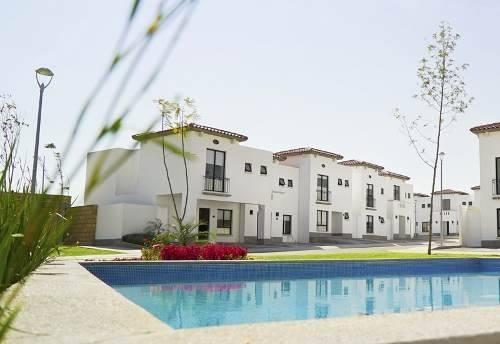 Preciosa Casa, Fracc. Los Naranjos, Cañadas Del Lago, 3 Recs, 2.5 Baños, Alberca