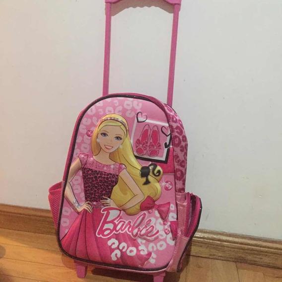 Mochila De Barbie Original Color Rosa Con Carrito Y Correa