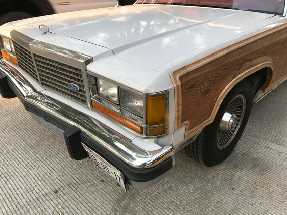 Ford Crown Victoria Country Squire 1983