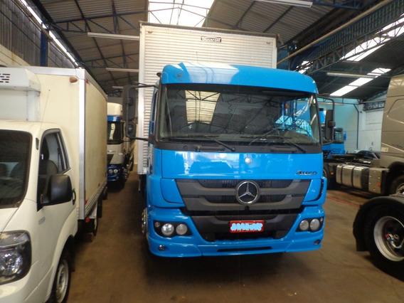 Caminhão M. Benz Atego 2426 2012/12 Bau Azul Novo