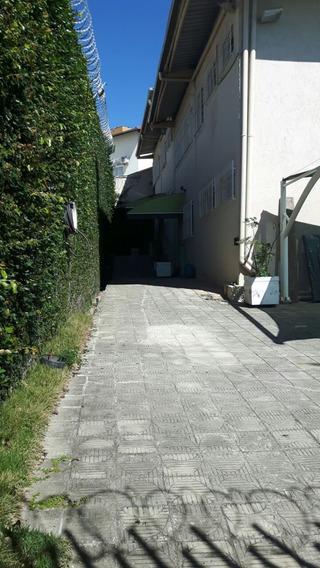 Excelente Galpão De 450m² Em Excelente Localização No Bairro Castelo. Segurança, Fácil Acesso, Estacionamento Com 04 Vagas Cobertas E Outras Descobertas. - 1027