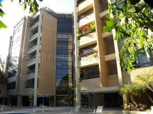 Apartamento En Venta Los Palos Grandes 21-2418