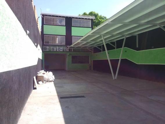 Amplio Local En El Centro De La Ciudad