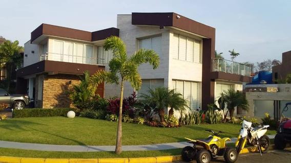 Quinta En Guataparo / Ovidio Gonzalez/ 04163418694