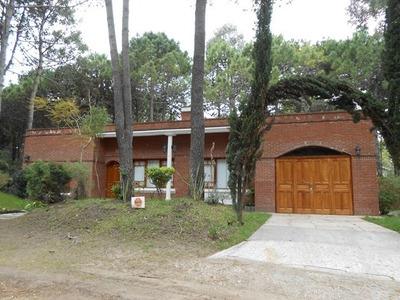 Casa En Alquiler De 5 Ambientes En Pinamar Norte.