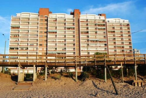 Imagen 1 de 8 de Venta Departamento Punta Del Este Edificio Vanguardia