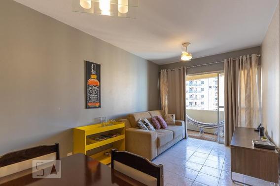 Apartamento Lindo, Todo Reformado, Com Sacada E Garagem