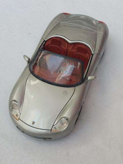 Miniatura Porsche Boxter Marca Maisto Escala 1/18 Cor Prata
