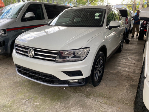 Imagen 1 de 15 de Volkswagen Tiguan Comfortline Piel 2018