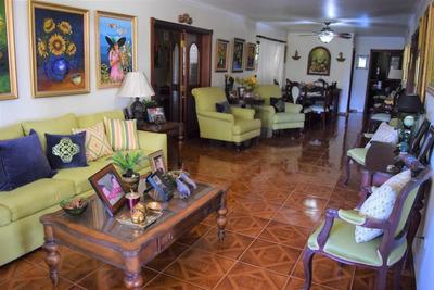 Casa En Ensanche Miraflores, Sto. Dgo. 6698