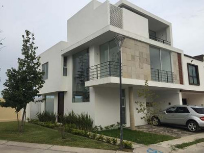 Hermosa Casa En Renta Santillana Residencial