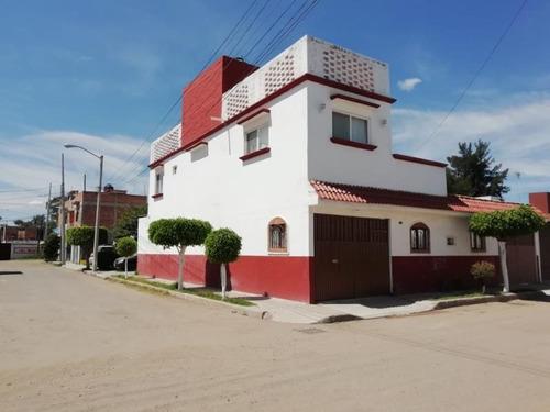 Imagen 1 de 11 de Casa Sola En Venta El Rosario