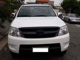 Toyota Hilux 2.5 Cab. Simples 4x4 2p