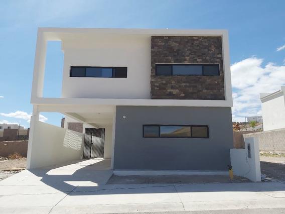 Estrena Casa Con Recamara Planta Baja En Valdivia Ii
