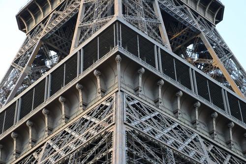 Imagen 1 de 5 de Cuadro 2-torre Eiffel-paris-close Up 32x20  C/marco Madera