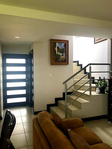 Preciosa Casa De 131m2 Condominio Alexa San Pablo Heredia