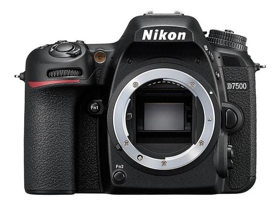 Nikon D7500 DSLR preta