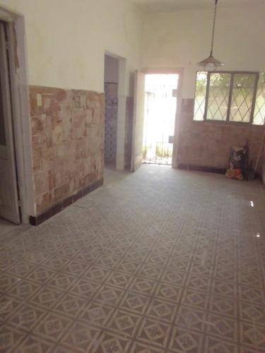 Imagen 1 de 5 de Diri Palleja Y Entre Rios - Casa En Ph Pb Al Frente C/patio