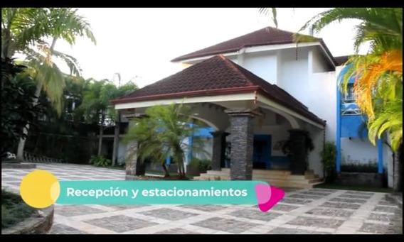 Villa De Dos Niveles En La Playa Disponible En Samaná, Direc