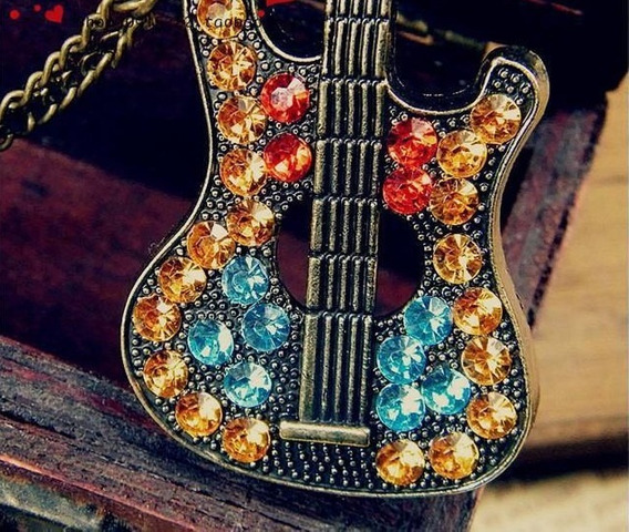Colar Guitarra Stress Lindo Rock In Roll Vintage