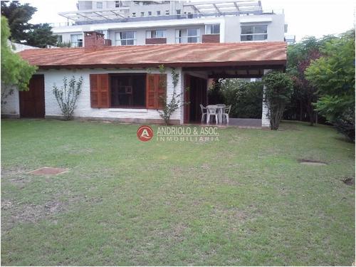 Casa En Zona De Playa Brava Y Aidy Grill- Ref: 5328