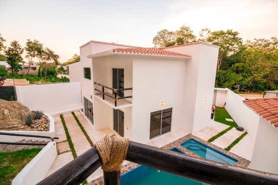 Casa Nueva En Venta En Sector N, Huatulco, Oaxaca