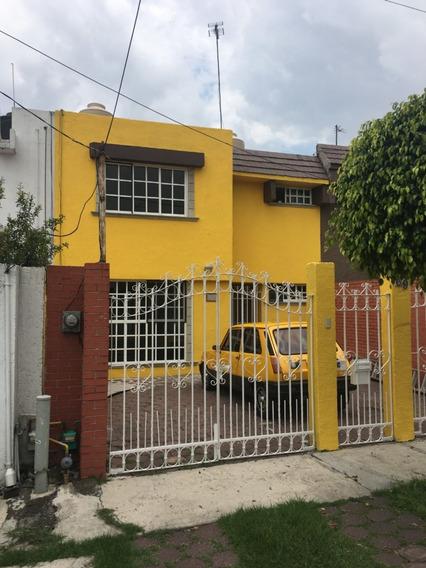 Casa Recién Remodelada En Buena Zona