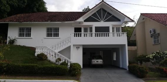 Casa En Alquiler En Brisas Del Golf 20-4219.nq