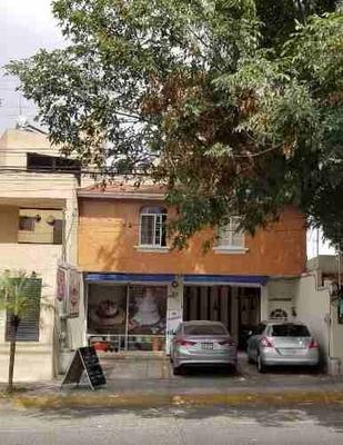 Se Vende Conjunto Habitacional De 3 Departamentos Y 1 Local Comercial Cerca Del Parque Metropolitano