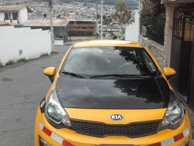 Vendo Taxi Ejecutivo Legal Con Puesto Inf 0987330379