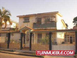 Casas En Venta Trigal Sur Valencia Carabobo 19-5385 Yala