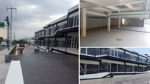 Se Renta Local Comercial En Plaza Sky Center, 200m2, Ganelo