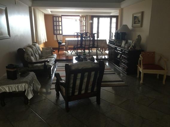 Casa 04 Quartos - 564