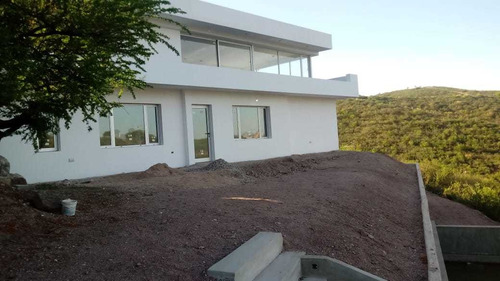 Casa De Tres Dorm A Estrenar - Country La Cuesta - La Calera