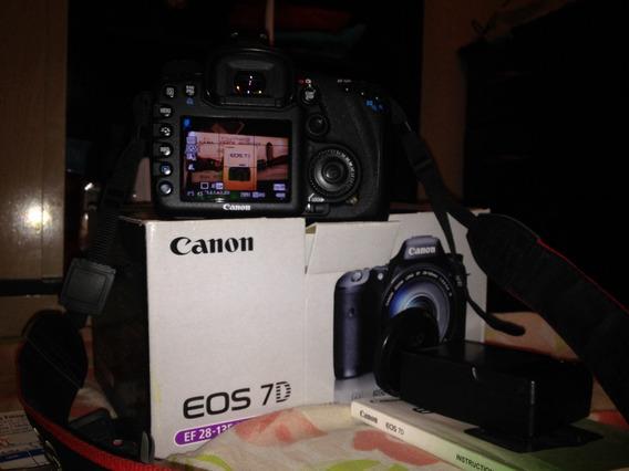 Canon Eos 7d Lente 18-55mm Bem Conservada Cartão De 32gb