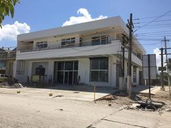 Puerto Barrios: 2 Niveles Con Local Comercial Y Oficinas