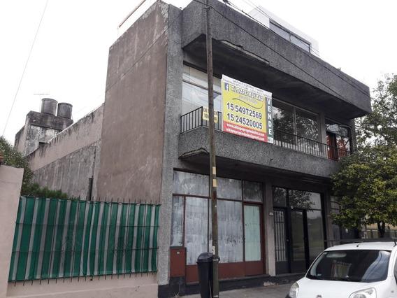 En Block, Galpon, Oficinas, Local Y Dos Viviendas
