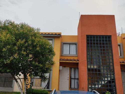 Imagen 1 de 14 de Excelente Casa Duplex En Privada Hacienda Margarita