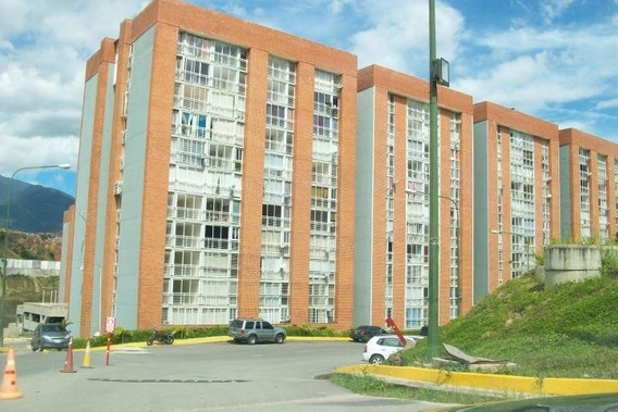 Apartamento En Venta El Encantado Macaracuay 20-3635