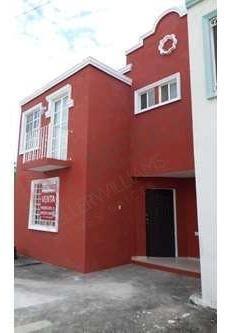 Casa En Fracc. Privado Los Naranjos A 10 Minutos De Tabasco 2000 Zona Hotelera Y Negocios.