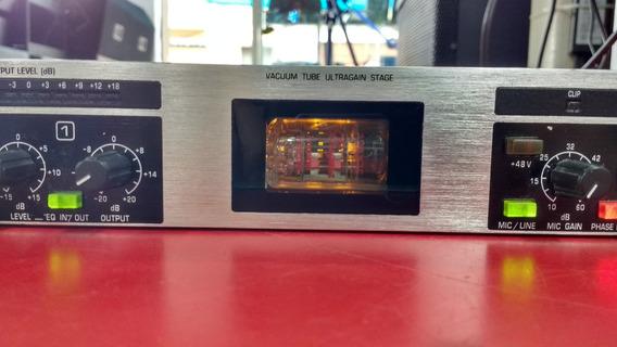 Pré-amplificador Valvulado Ultragain Pro Mic 2200 Behringer