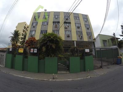 Venda - Apartamento 02 Quartos No Caonze