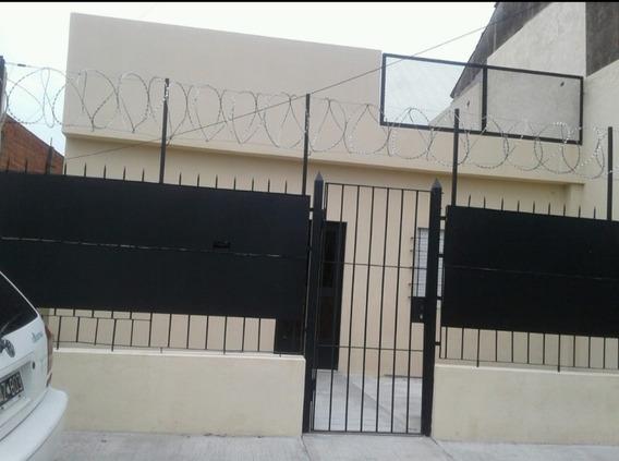 Casa Reciclada A Dos Cuadras De B.d Irigoyen