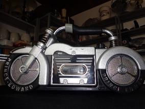 Rádio Portátil Com Toca Fitas Forma De Moto- Prince Edward