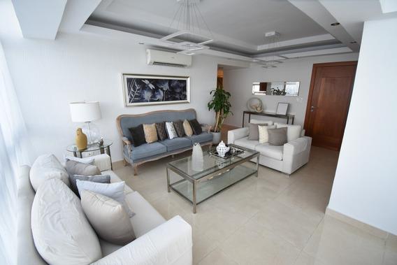 Penthouse De 3 Habitaciones Con Terraza Renacimiento