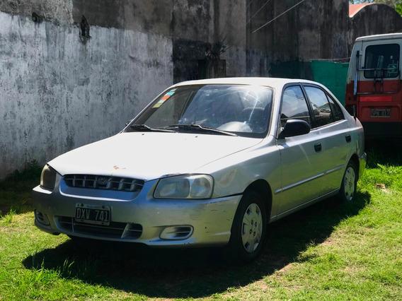 Hyundai Accent 2001 1.5 Gls 4d