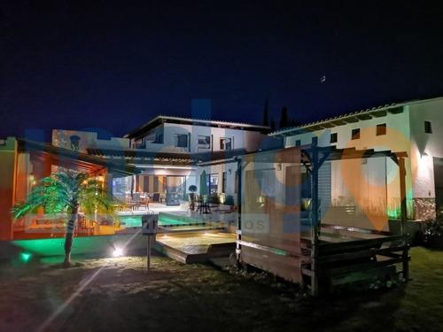 Casa En Venta En Balcones De Juriquilla  Alberca Una Sola Pl