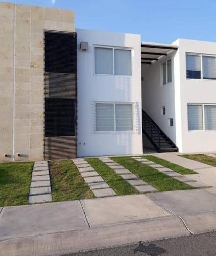 Imagen 1 de 10 de Bonito Departamento Duplex En Venta O Renta En Fraccionamiento Tres Cantos Qro.