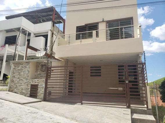Casa En Venta En Altos De Santa Maria 20-3106 Emb